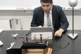20b178ケニー先生イメージ写真チラシ